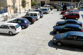 La plaza de Sant Llorenç recupera su uso peatonal y se cierra al tráfico de vehículos