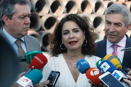 Montero cree que lo más sensato es que el Open Arms viaje a Italia
