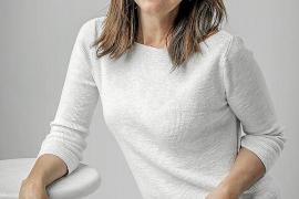 La escritora María Dueñas