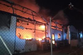 Grave incendio en una piscifactoria cerca de Sant Joan de Déu