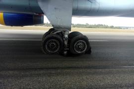 Trozos de hormigón rotos en el aeropuerto de Múnich, causa del bloqueo de la pista de Son Sant Joan