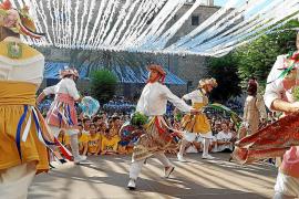 Los Cossiers de Montuïri salen a danzar de estreno en honor a la Mare de Déu d'Agost
