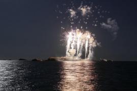 El castillo de fuegos artificiales en Ibiza, en imágenes (Fotos: T. Planells).