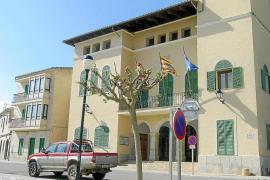 El gobierno de ses Salines aparta a la secretaria municipal y cambia las cerraduras del Ajuntament