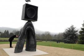 El trabajo escultórico de Miró se integra en el entorno natural de Inglaterra