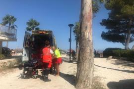 Rescatan a una bañista de 84 años inconsciente en la playa de Alcúdia