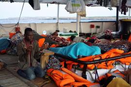 El Govern busca sitio para los inmigrantes del Open Arms ante su posible llegada
