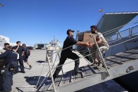 Un buque de la Armada zarpa hoy para recoger y acompañar al Open Arms a Palma