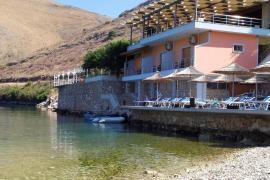 Albania demuele el restaurante del hombre que atacó a una familia española