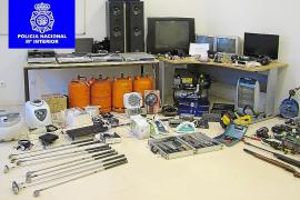 La policía detiene a tres hombres acusados de una oleada de robos en Manacor