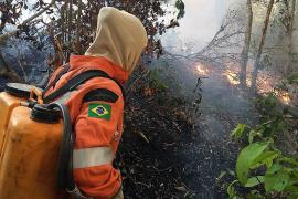 Bolsonaro critica la decisión de Macron de incluir los incendios del Amazonas en la agenda del G7