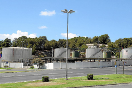 El Govern medirá los olores de las descargas de los depósitos de CLH en Portopí