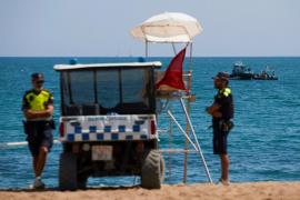 Cerrada una playa de Barcelona por el hallazgo de una bomba sumergida