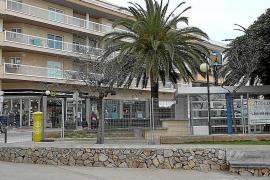 Las obras de reforma del paseo marítimo de Cala Bona se reanudan en octubre