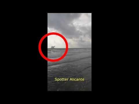 El piloto del avión precipitado al mar en Murcia logró eyectarse