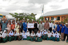 Kia entrega a Tanzania la 'Kia Green Light School'