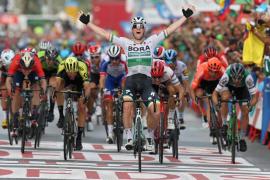 El irlandés Sam Bennett se lleva el primer esprint de La Vuelta