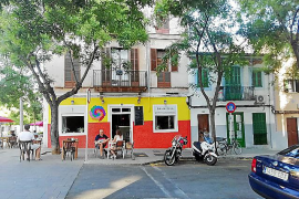 ARCA pide al Ayuntamiento de Palma que retire las pinturas de la fachada de un comercio en Santa Catalina