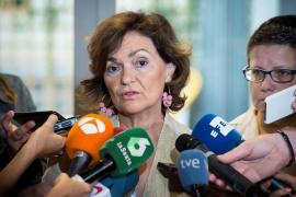 Calvo promete a los colectivos LGTBI una ley en defensa de la diversidad