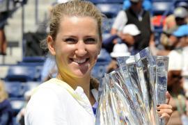 Azarenka vence en la final a  Sharapova y confirma su liderazgo en la WTA