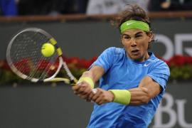 Federer se acerca a Nadal, Djokovic sigue al frente