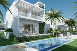 Tres villas modernas con piscina, listas para entrar