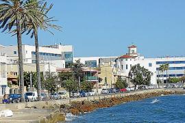 Cala Gamba: dónde pasear, comer o nadar con placidez