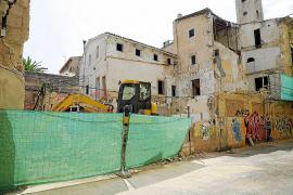 Derriban el edificio del emblemático bar Es Carreró de Palma