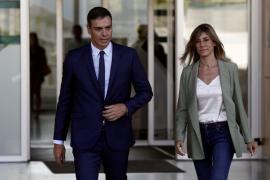Pedro Sánchez visita al rey Juan Carlos en el hospital