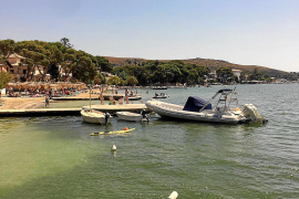 Requisadas 12 embarcaciones por fondear de manera irregular en el Port de Pollença