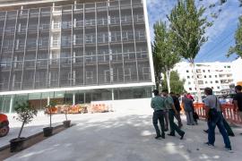 La visita a los nuevos juzgados de Ibiza, en imágenes (Fotos: Daniel Espinosa).