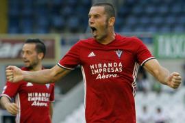 Cervero, un '9' para el Atlético Baleares