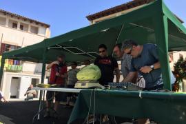 Miquel Morlà gana el concurso del 'Meló més gros' con un ejemplar de 20 kilos
