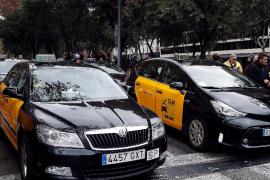 Detenido un taxista por apuñalar a otro en el aeropuerto de Barcelona