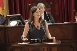 Armengol pide comparecer en el Parlament para abordar las necesidades de financiación