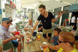 Baleares logra un nuevo récord de empleo en agosto pero sube el paro