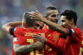 España gana en Rumanía con brillo y oficio
