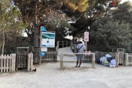 Amics de la Terra y el GEN-GOB reclaman medidas urgentes ante la acumulación de basura en ses Salines