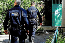 Dos detenidos por amenazar a una pareja con una botella rota en Palma