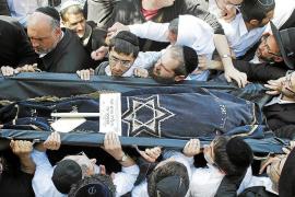 Israel llora a las víctimas judías de la matanza y Francia homenajea a los militares asesinados