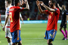 Rodrigo y Alcácer golean al aburrimiento