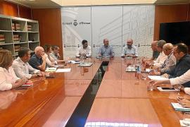 Consell d'Eivissa y Fomento de Turismo piden a AENA nuevas rutas