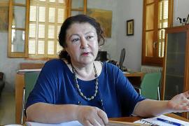 Mae de la Concha: «No pasaremos la legislatura hablando de quién quiere irse»