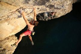 Agentes de Medio Ambiente retienen a una famosa alpinista en Alaró: «Nos tratan como delincuentes»