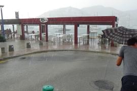 El temporal aplaza el primer día de clase en el norte de Mallorca