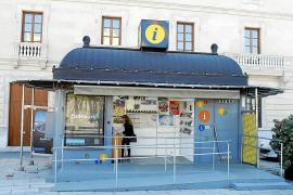 La concesionaria de la oficina de turismo del Parc de la Mar deja de prestar servicio