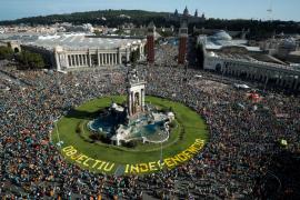 Miles de personas reclaman la independencia en Barcelona