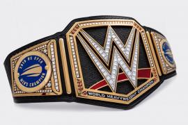 Un cinturón de campeón de lucha libre para Nadal