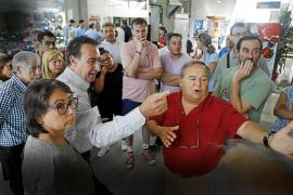 Protesta por el cierre de las galerías de la Plaça Major de Palma