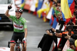 Pogacar se exhibe en Gredos y Roglic conquista la Vuelta